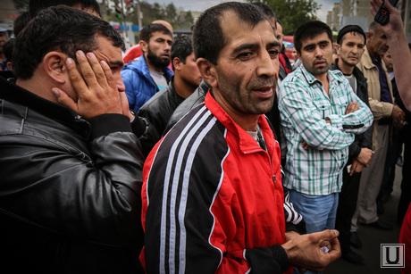 Шествие и митинг в поддержку мигрантов, мигранты