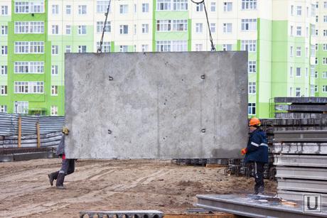 Стройка. Нижневартовск., плита, строители, стройка