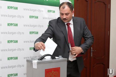 Выборы Главы Кургана, руденко голосует, выборы главы кургана