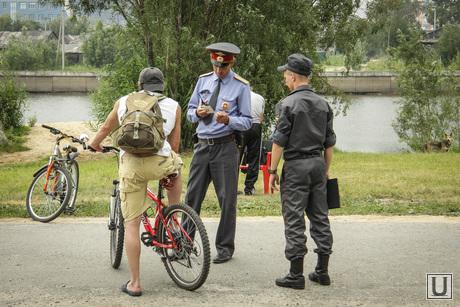 Клипарты, полиция, проверка документов, велосипедисты