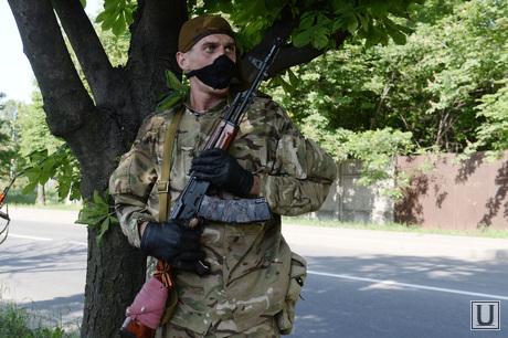 Перестрелка в Аэропорту Донецка. Украина, автомат, ополченец
