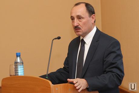 Городская Дума. Выборы сити менеджера   Курган, поршань с докладом