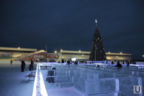 Главелка. Екатеринбург, елка, ледовый городок