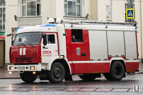 Дикая орхидея закрылась. Екатеринбург, пожарная машина