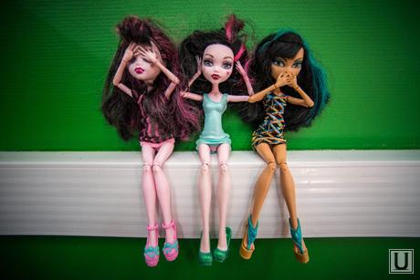 Клипарт. Екатеринбург, куклы, не вижу слышу скажу, проститутки, проститутки, детские игрушки