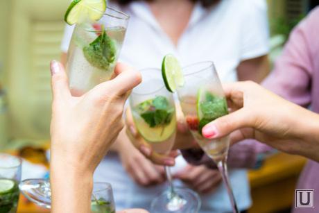 Клипарт, алкоголь, праздник, коктейль, прохладительные напитки, тост, мохито, лайм