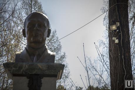 Родительский день. Северное и Широкореченское кладбища, хабаров александр, памятник, камера наблюдения, кладбище