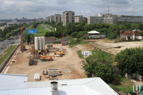 Виды города, основные здания и учреждения, памятники. Пермь, стройка, город в городе