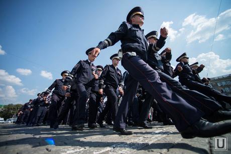 Полиция на Площади 1905 года. Екатеринбург, ДПС, марш, парад, полиция россии, гибдд по свердловской области