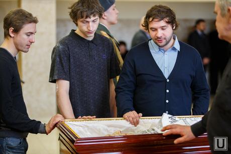 Прощальная церемония и отпевание Николая Васенина. Березовский, григорьев андрей