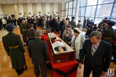 Прощальная церемония и отпевание Николая Васенина. Березовский, васенин николай, гроб, похороны, прощальная церемония