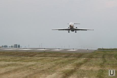 Аэропорт, споттинг Курган, як 42, взлет самолета