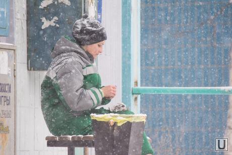 Снег в городе. Нижневартовск., уборка снега, снег в городе, снегопад, зима, север, метель