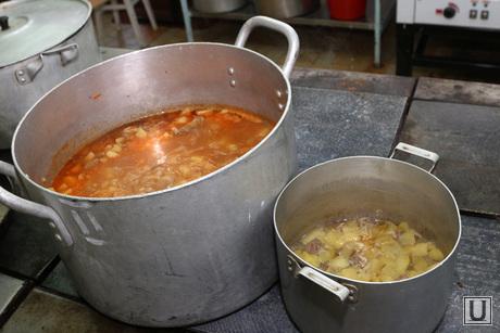 Рейд ЕР 45 школа Курган, кастрюли, столовая, суп, еда