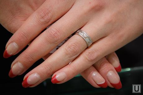 Варианты подарков. Екатеринбург, руки, маникюр, кольцо, пальцы