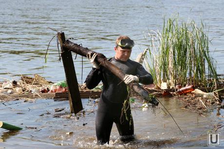 Учения спасателей МЧС Курган, чистка пляжа, аквалангист