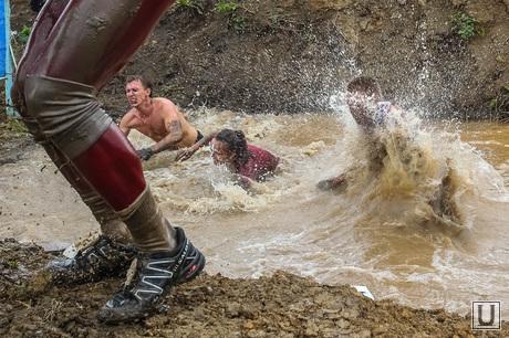 Стальной характер - массовый кросс в грязи. Тюмень, грязь, человек в грязи