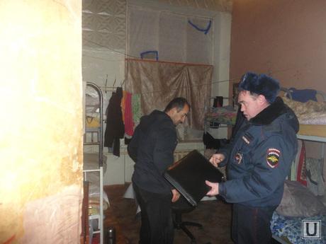 Гетто нелегальных мигрантов. Екатеринбург , нелегалы, мигранты, общежитие мигрантов, бытовые условия нелегалов, рейд уфмс