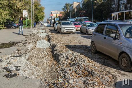 Ремонтируют улицы Луначарского и Шевченко. Екатеринбург, дорожные работы, ремонт улиц