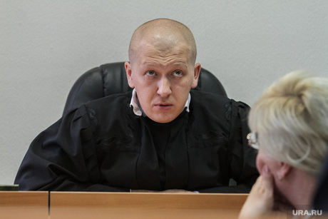 Суд о продлении ареста Дмитрия Лошагина в Октябрьском районном суде.  Екатеринбург, измайлов эдуард, судья