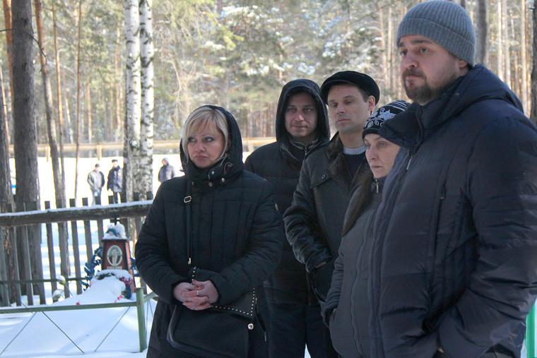 Кетово, кладбище., кладбище, кетово, родственники умершего с адвокатом