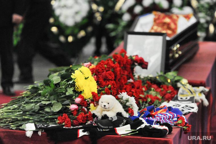 Похороны Валерия Константиновича Белоусова. Челябинск., цветы, похороны