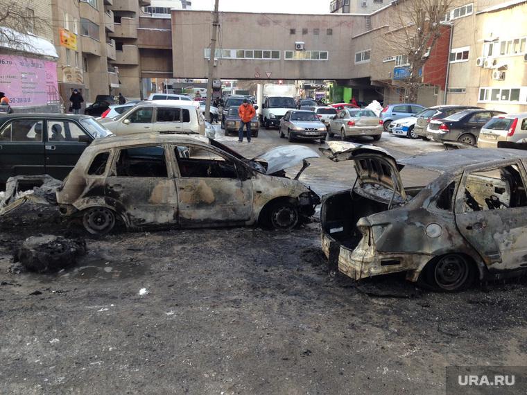 Сгоревшие машины на Шарташской. Екатеринбург, утиль