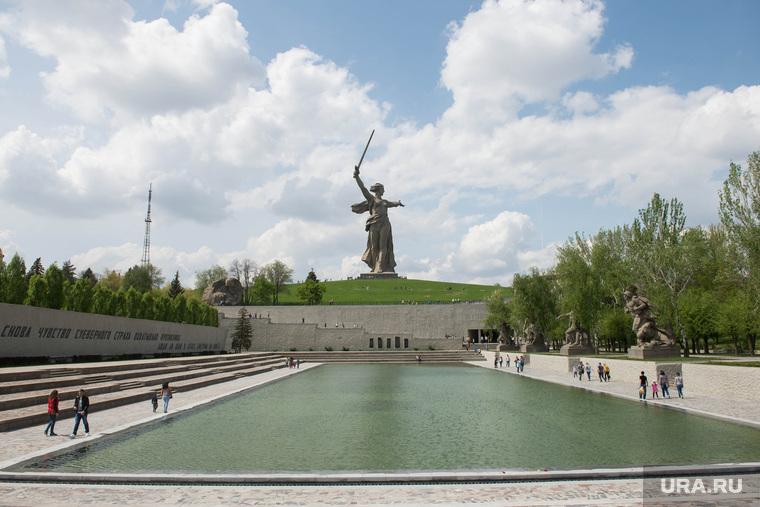 Мамаев курган. Волгоград, родина мать, площадь героев, озеро слез
