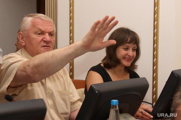 Заседание областной Думы Курган, менщиков владимир, жест рукой