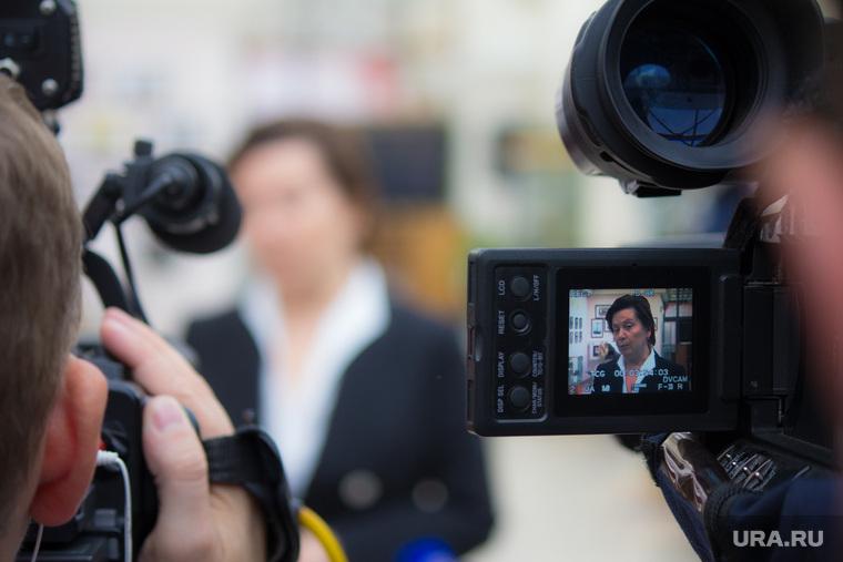 Комарова и Якушев. Пресс-конференция. Нижневартовск, камеры, съемка, журналисты, комарова наталья