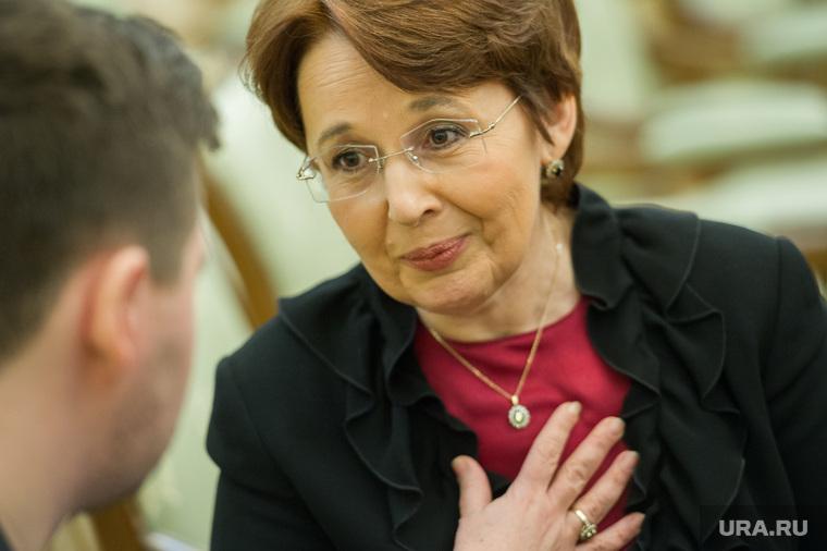 Оксана дмитриева член партии