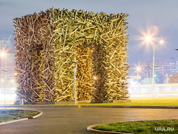 Арт-объект в Перми, пермские ворота, большая пэ, артобъект