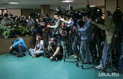 Пресненский суд. Москва, журналисты, интервью перед камерами, камеры