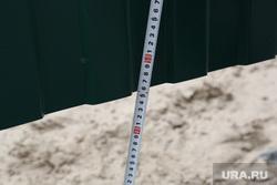 Небезобасная стройка на Западносбирской улице угрожает жизни жильцов