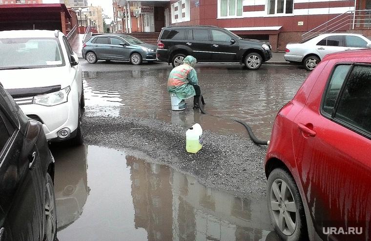 Лужа. Тюмень, ливень, дождь, лужи