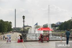 Точки продажи воды в центре Екатеринбурга, исторический сквер