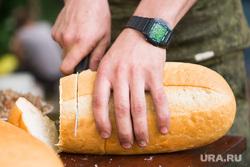 """Полевой лагерь 2-го артбатальона бригады """"Кальмиус"""" под Донецком. Июнь 2015, еда, хлеб"""