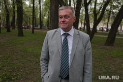 Депутат законодательного собрания Пермского края Игорь Папков во время интервью, папков игорь