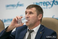 """Пресс-конференция """"Партии пенсионеров"""", Интерфакс. Москва, артюх евгений, стакан воды"""