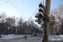 Микрорайон Уралмаш без света. Екатеринбург, неработающий светофор