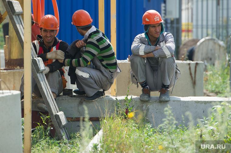 Визит Игоря Шувалова на Центральный стадион. Екатеринбург, рабочие, строитель, трудовые мигранты
