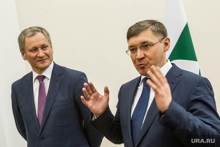 Губернаторы Кокорин и Якушев. Тюмень, якушев владимир, кокорин алексей, жест руками