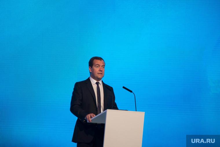 ИННОПРОМ-2014: проходка Дмитрия Медведева по выставке и пленарка. Екатеринбург, медведев дмитрий