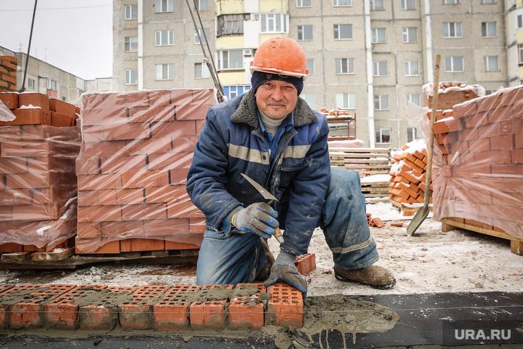 пресс-тур по стройкам. Сургут, строитель, кирпичная кладка, каменщик, стройка