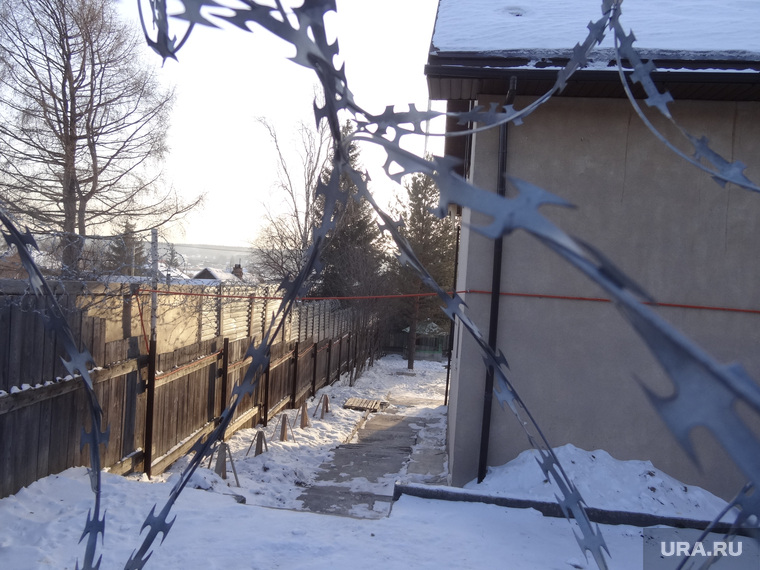 Реабилитационный центр Ключи и его жертвы похищение незаконное удержание, колючая проволока