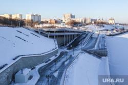 Зима. Тюмень, набережная, строительный университет