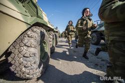 Первая репетиция юбилейного Парада Победы в Екатеринбурге на 2-ой Новосибирской, солдаты, военная техника, армия россии, боевая тревога