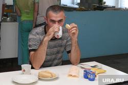 Беженцы ШмаковоКурганская область, столовая, обед, беженцы