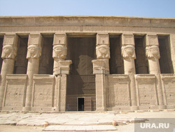 Египет, отдых туристов, храм богини хатхор, древнеегипетский храм
