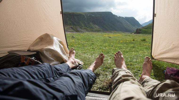 Кавказские горы в окрестностях Эльбруса, туризм, путешествие, палатка, отдых, горы, природа россии, природа кавказа, приэльбрусье, поляна эммануэля, плато немецкий аэродром, кавказские горы